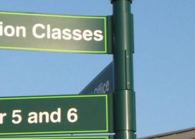 green-finger-sign-classrooms