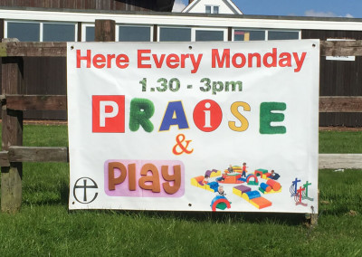 praise-and-play-banner